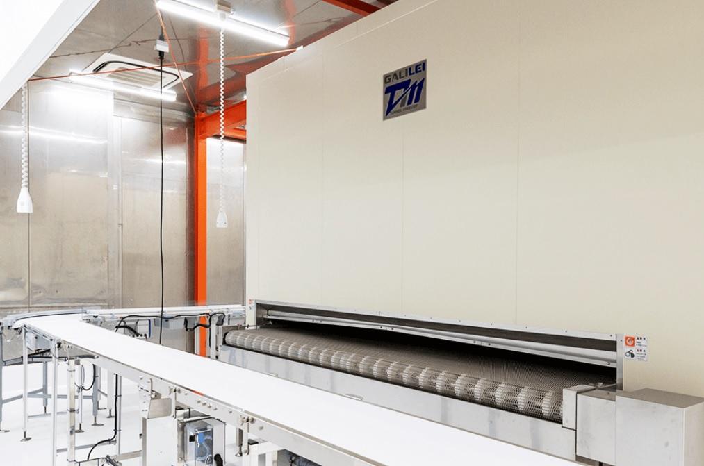 ナッシュ(nosh)工場の急速冷凍機