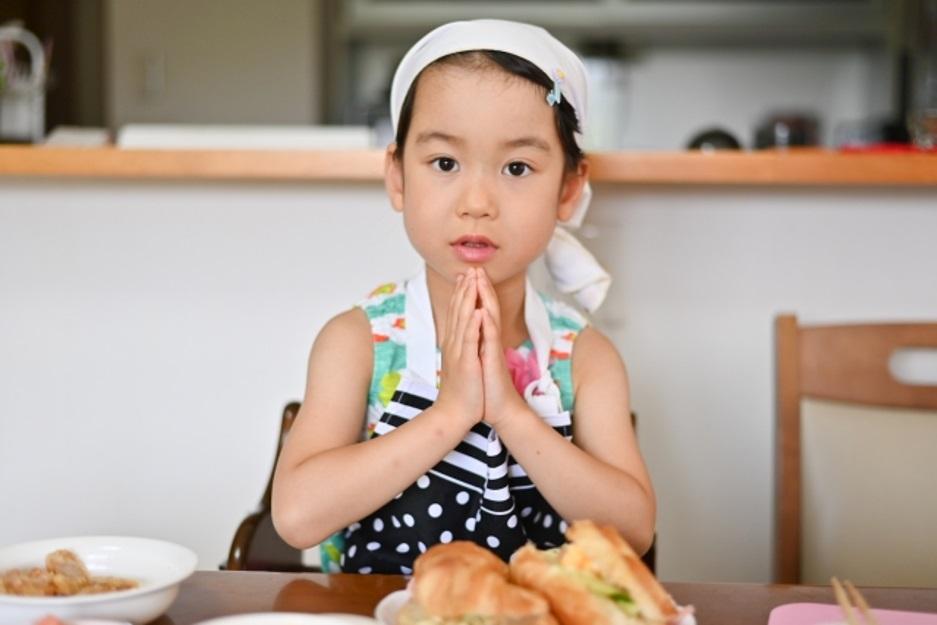 子供の食事風景